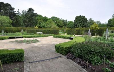 Сад Сэвилл, Великобритания