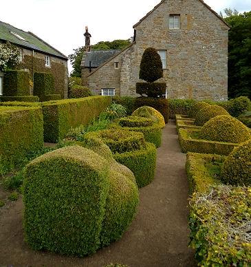 Сад поместья Хертертон, Англия